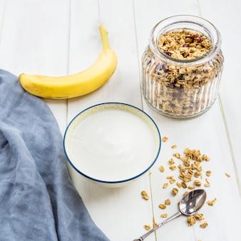Zutaten für gesundes müsli-frühstück