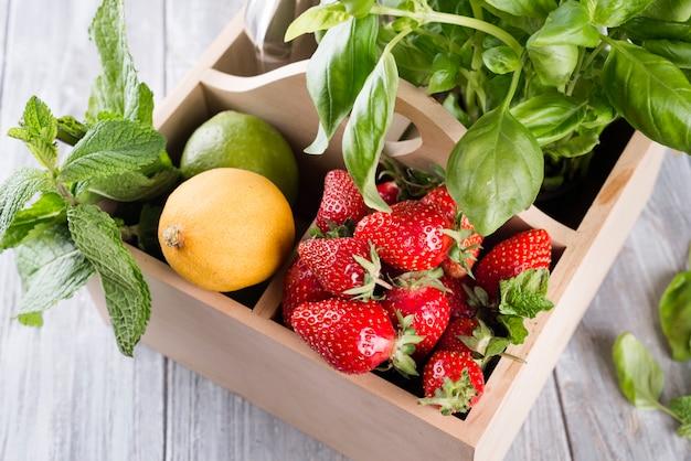 Zutaten für hausgemachte erdbeerlimonade
