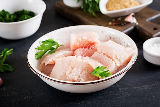 Zutaten für hausgemachten fischfrikadellen-kabeljau