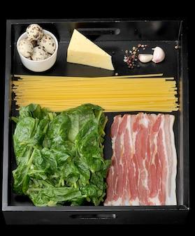 Zutaten für italienische spaghetti carbonara
