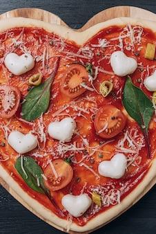 Zutaten für klassische italienische pizza