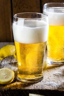 Zutaten für mexikanisches chilenisches biergetränk - michelada