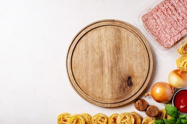 Zutaten für spaghetti bolognese