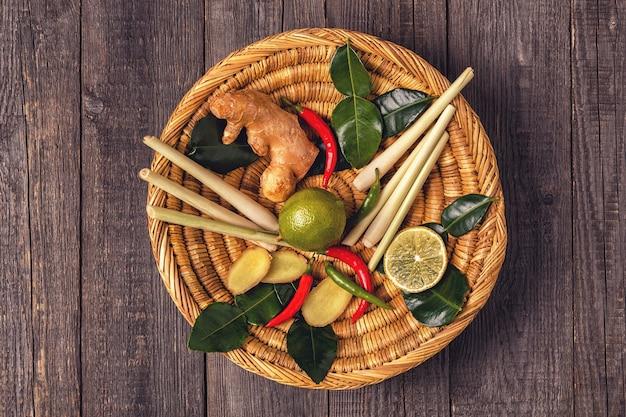 Zutaten für thailändisches scharfes essen