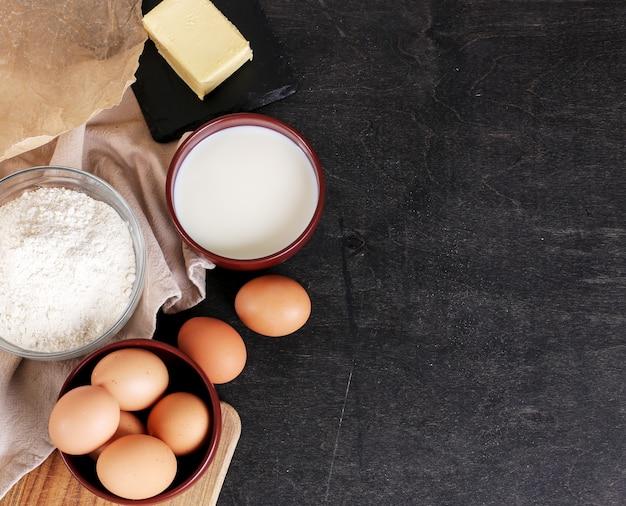 Zutaten zum backen von keksen