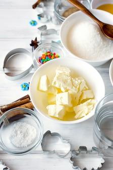 Zutaten zum backen von lebkuchen oder kuchen