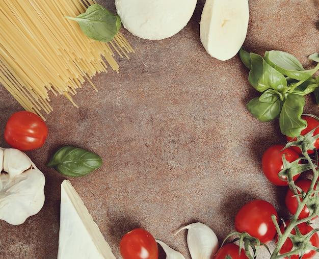 Zutaten zum kochen von nudeln