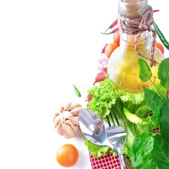 Zutatenmenü zum kochen mit gemüse