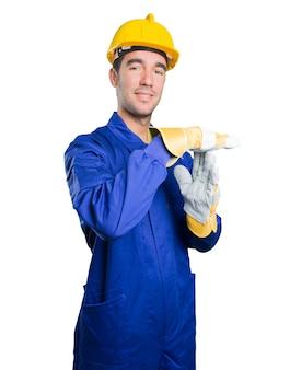 Zuversichtlich arbeiter mit breaktime geste auf weißem hintergrund