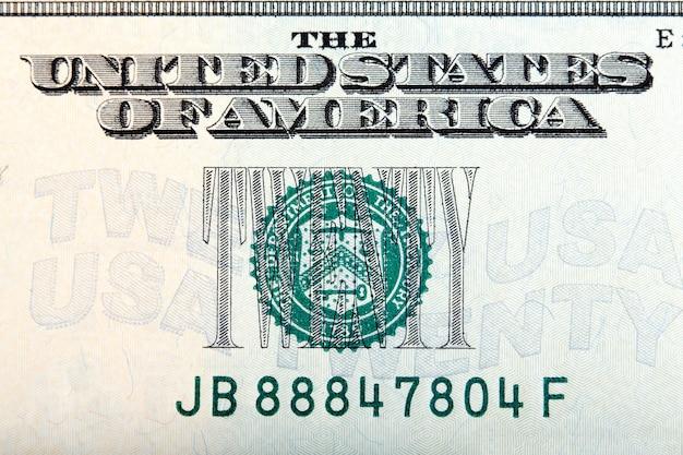 Zwanzig-dollar-zeichen auf dem zwanzig-dollar-schein, makroaufnahme. hochauflösendes foto.
