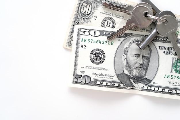 Zwei 50-dollar-banknoten auf weiß.