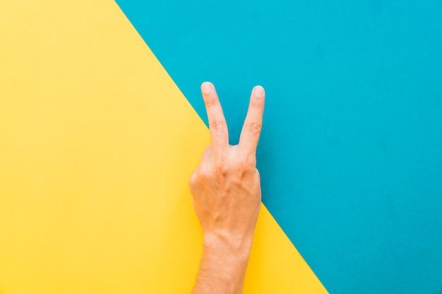 Zwei fingergeste