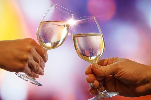 Zwei gläser champagner-toast