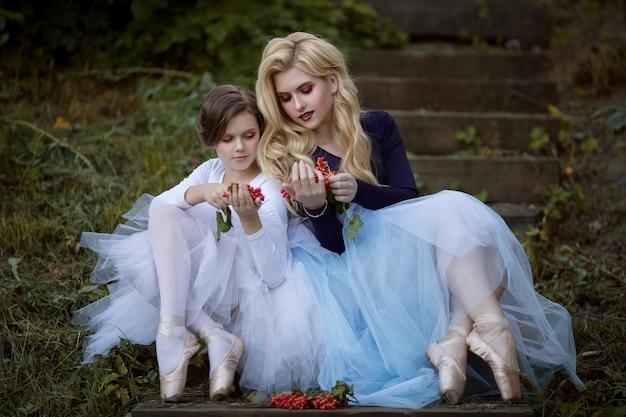 Zwei junge ballerinas