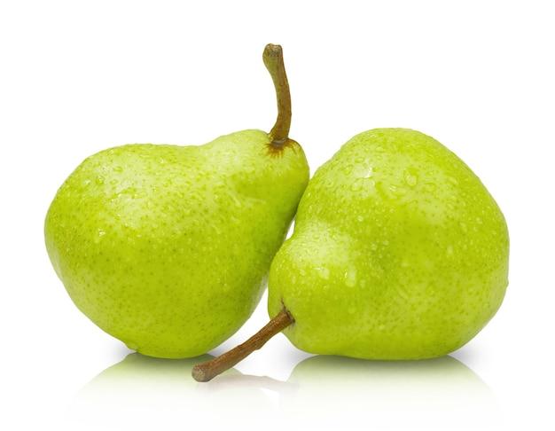 Zwei reife grüne birnen isoliert