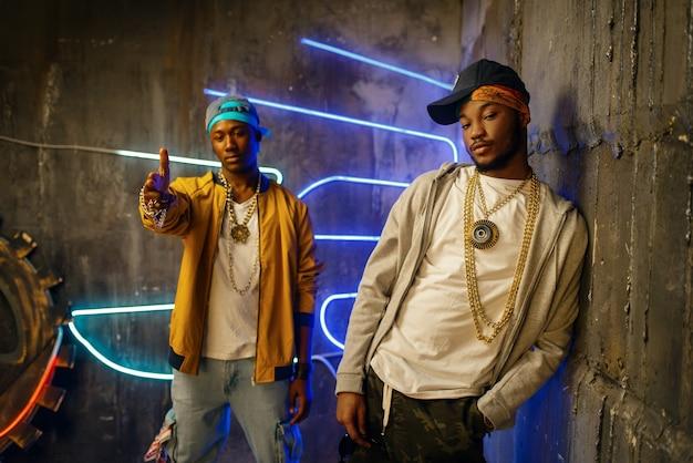 Zwei schwarze rapper