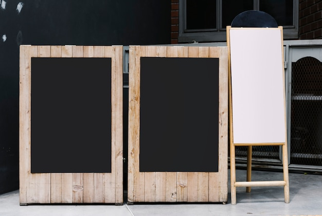 Zwei tafeln und ein flipchart-modell