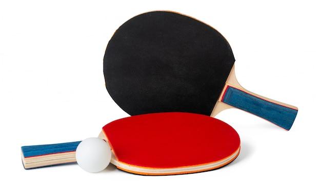 Zwei tischtennisschläger isoliert auf weiß