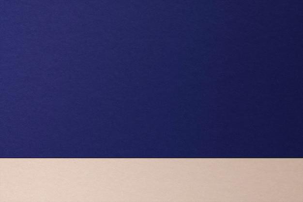 Zweifarbiger produkthintergrund mit blau und beige