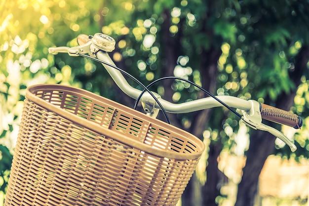 Zyklus weißes fahrrad antiker transport