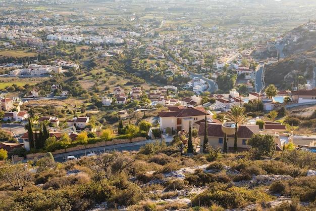 Zypern-insel, draufsicht. viele häuserdächer