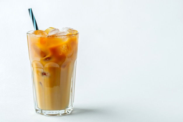 冷たいコーヒー1杯。 copyspace