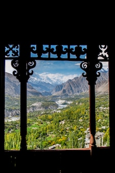 10月初旬のhunza渓谷、baltit砦からの眺め。ギルギット・バルティスタン、パキスタン。