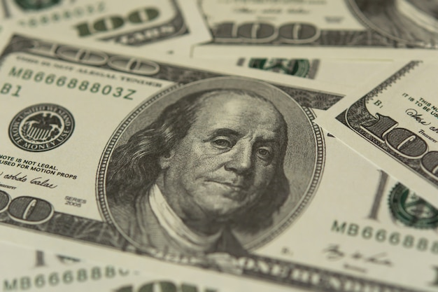 100 american dollar banknotes