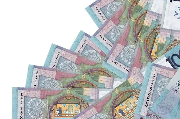 100ベラルーシルーブル手形は分離された異なる順序にあります。ローカルバンキングまたは金儲けの概念。