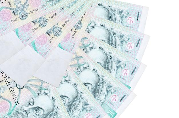 100 체코 어 korun 지폐 팬 모양에 쌓인 복사 공간이 흰 벽에 고립 된 거짓말을 닫습니다. 금융 거래 개념