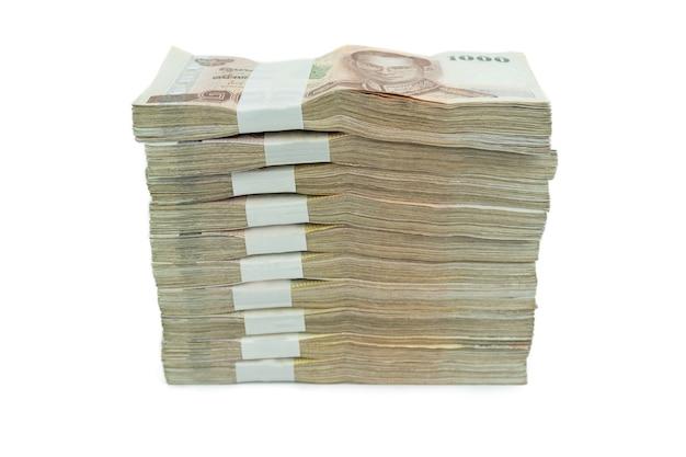 Тайский банкнот 1000 бат на белом фоне для бизнеса, банковской или финансовой концепции