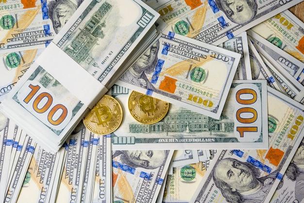 ドルのコンセプトコンセプトコンセプト100ドルの手形税金が並んでいます。