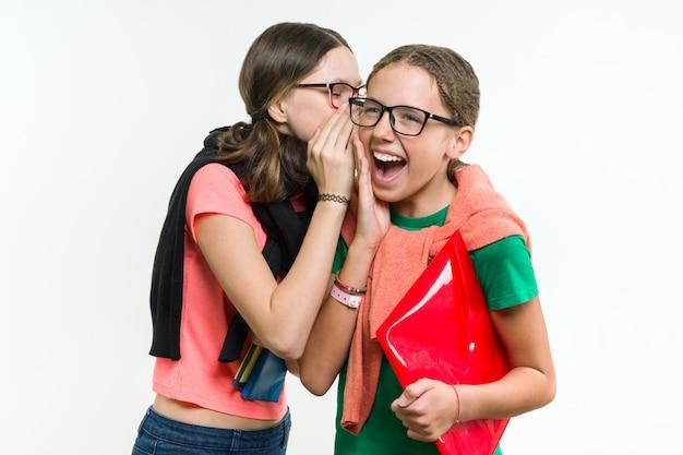 幸せな10代の少女、話と秘密