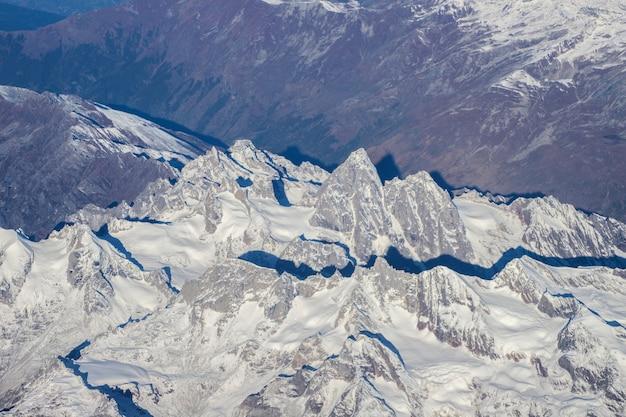 インド北部、レーラダックの10月のヒマラヤ山脈