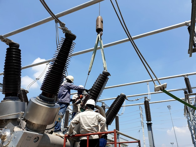 Замена фарфоровых вводов гибридного распределительного устройства 115 кв и подстанции с воздушной изоляцией