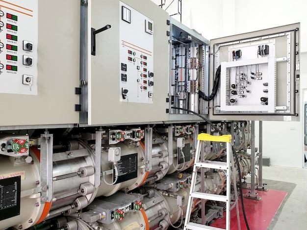 Протяжка кабеля управления подстанцией с элегазовой изоляцией 115 кв для функции блокировки