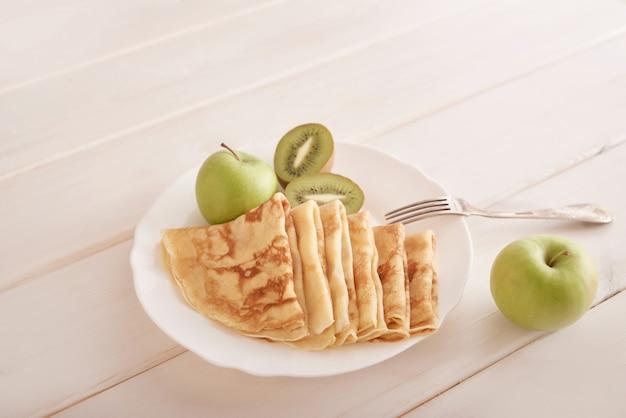 Романтический завтрак в день святого валентина 14 февраля