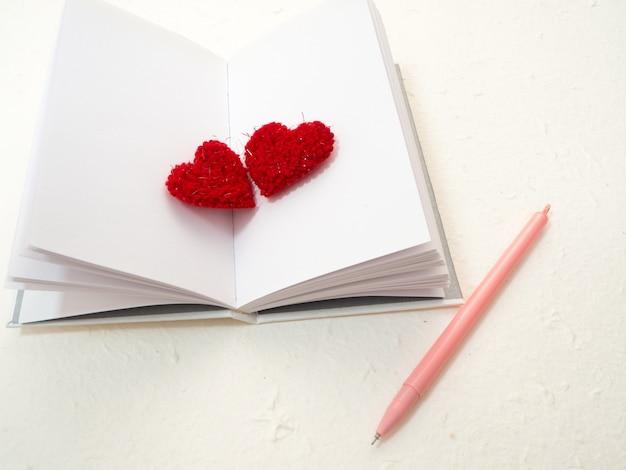 14 день святого валентина красные сердца
