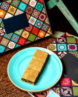 Турецкий десерт с фисташками и кадаифом 1
