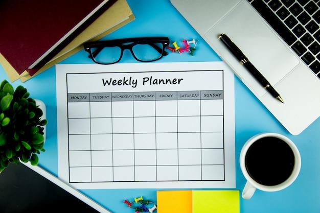 カレンダーウィークリープラン1週間でビジネスや活動をすること。
