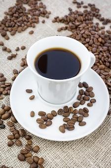 黄麻布のコーヒー1杯