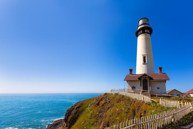 カブリヨハイウェイ沿岸ハイウェイのカリフォルニアピジョンポイント灯台1