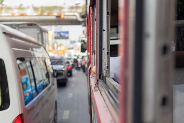 タイのバンコク -  2016年1月22日:タイのバスは、最も重要な公共交通機関の1つです