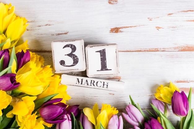 イギリスの母の日、2019年の3月31日、チューリップとナル