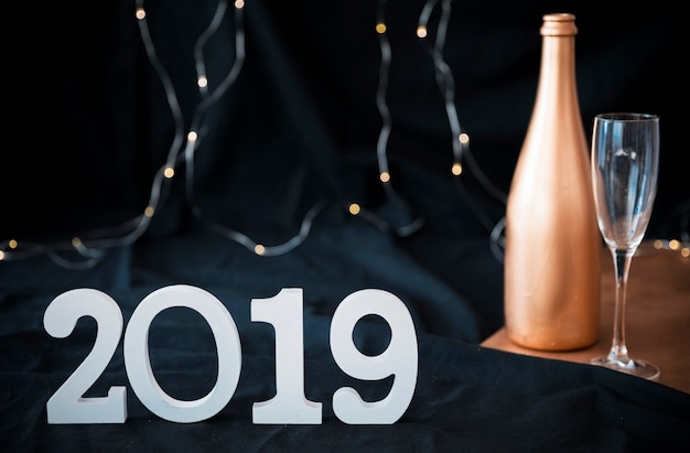 2019 inscription with champagne bottle