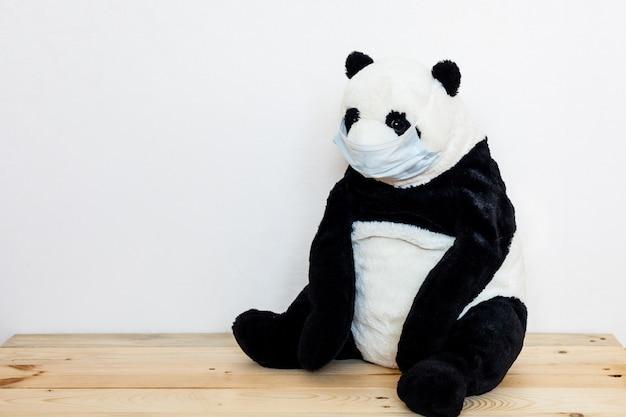 クマの病気、感染、ウイルス、コロナウイルス、2019-ncov、クマの病気のおもちゃ、ウイルスとコールドマスク、おもちゃと人の治療、流行