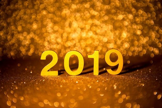 新しい年2019年のお祝いのコンセプト