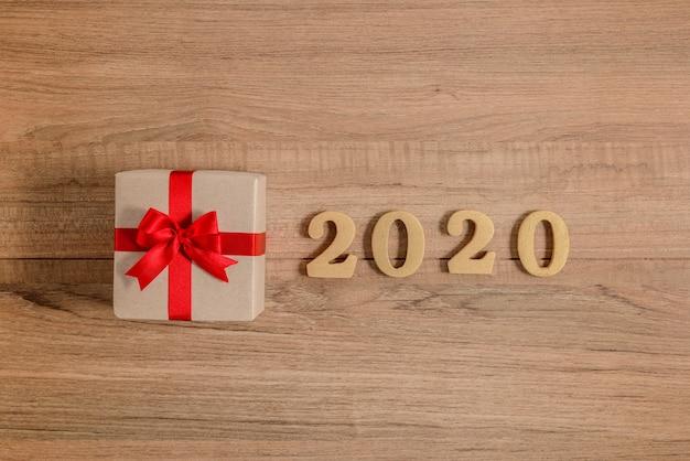 2020 деревянные номера на новый год с подарочной коробкой