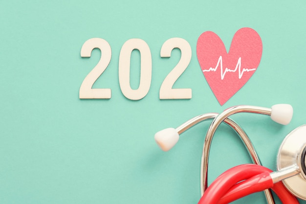 2020 wooden number with red stethoscope