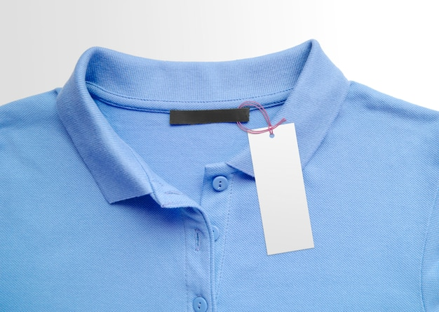 布の背景に服ラベルタグ。ブランディングテンプレートの表面。カラーオブザイヤー2020クラシックブルー